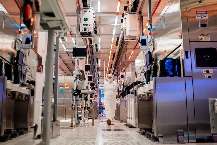 Intel, Apple tout circular, carbon-free manufacturing