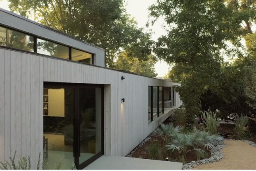 Solar-Powered Bridge House Inspires Eco-Friendly Living