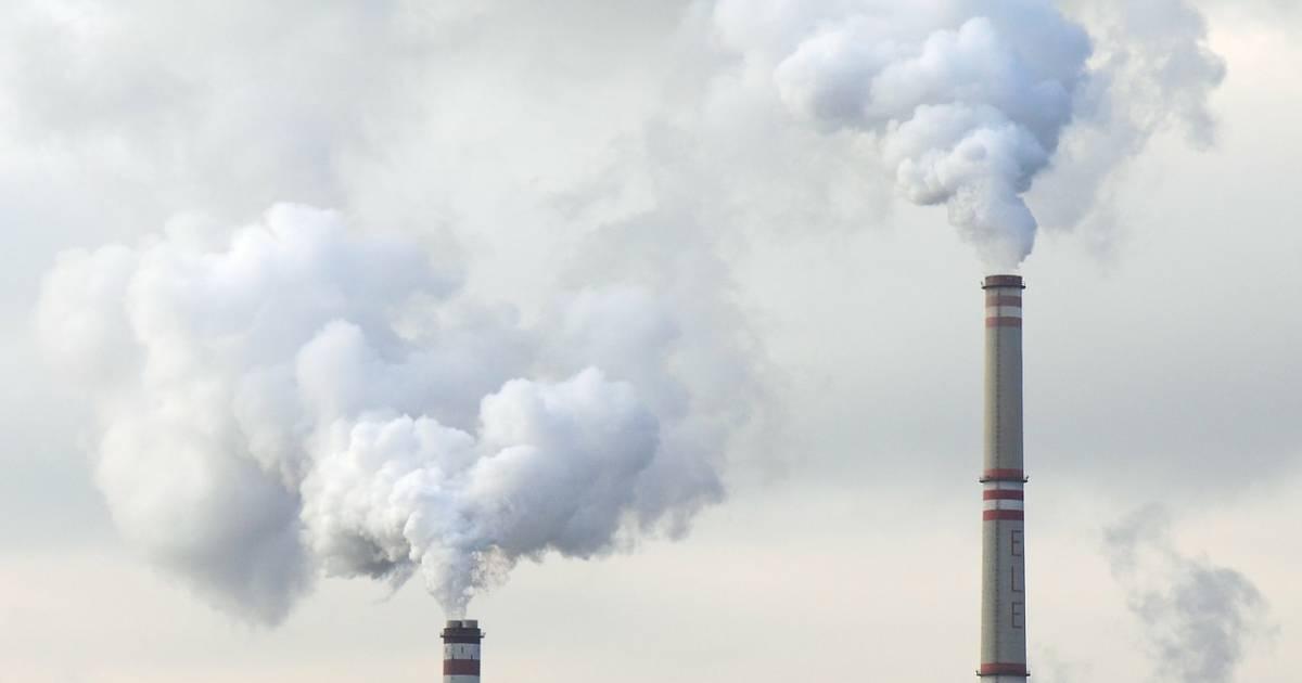 Coal power shutdown effect on human and crop health