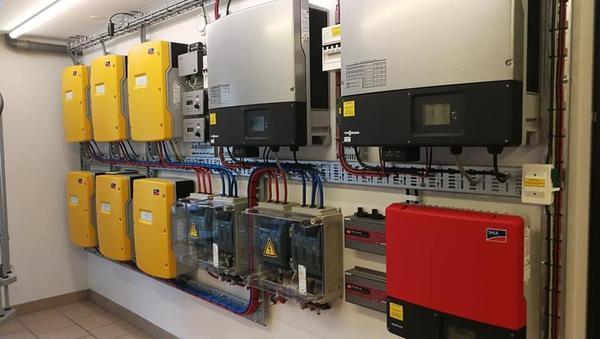 SMA solar inverter at loom solar